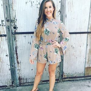 Pants - NWT mocha floral romper!! With open back!